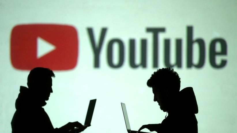 Роскомнадзор: YouTube стал лидером по распространению фейков в России