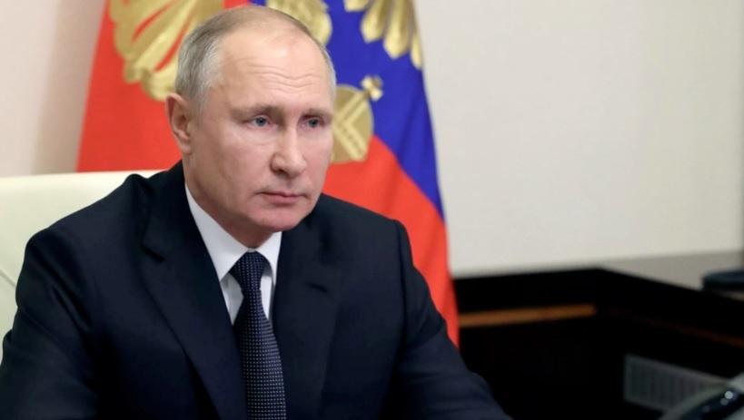 Путин поручил начать массовую вакцинацию россиян со следующей недели