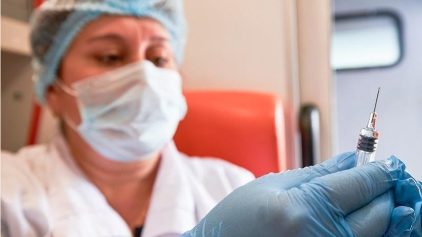 Минздрав поручил увеличить число прививочных пунктов в регионах
