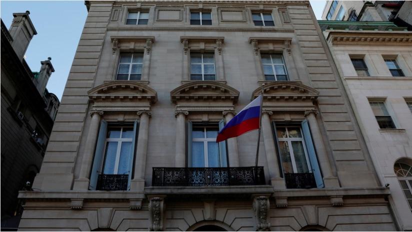 В генконсульстве России в Нью-Йорке отключили телефонные линии